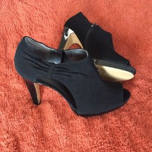 Shoes - Use good condition beautiful booties